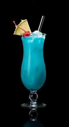 BLUE HAWAIIAN 1 oz Captain Morgan™ White Rum 1 oz blue caraçao 3 oz pineapple juice 1 oz sweetened coconut cream