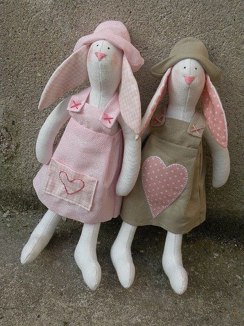 conigli rosa - pink bunnies by countrykitty, via Flickr