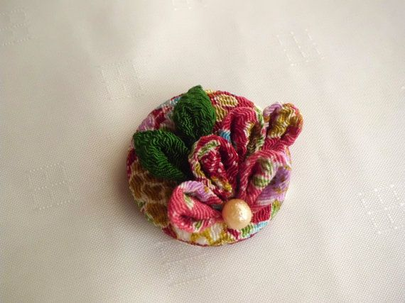 Japanese chirimen covered button hair clip, Colourful kanzashi flower, Red violet gold button snap clip, Fabric flower brooch, 38 mm button