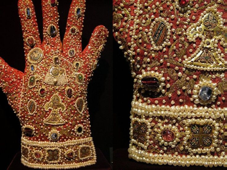 These gloves were made in the early 13th century for the coronation of Emperor…