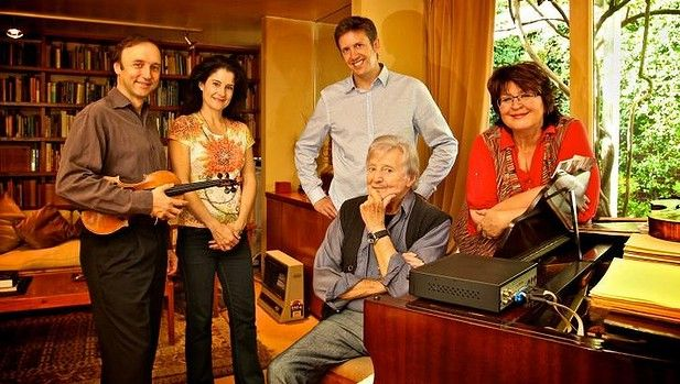 Peter Sculthorpe: Notes on a Life (profile by Amanda Hooton, first published 12 September 2009 in the Good Weekend) Pictured: Peter Sculthorpe at his Woollahra home with members of the Goldner String Quartet (including SSO concertmaster Dene Olding at left) in 2012.
