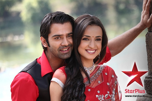 Check out the sizzling chemistry between Arnav - Khushi. They have been voted as the favourite #couple