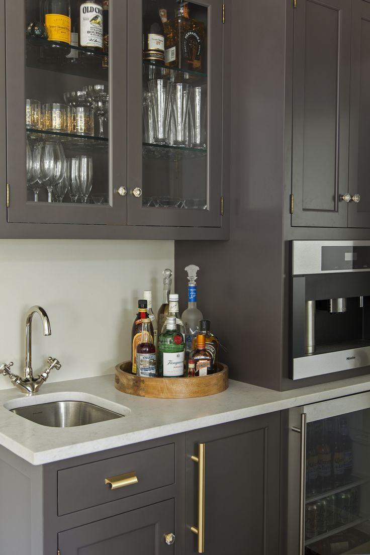 Wet Bar Design Featuring Glass Cabniet Doors | Raenovate Interiors