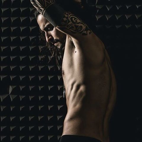 | Inside Shooting | ph.4 by @daniele_terrana_fotografia 👌 #artistic #photo #foto #dark #buio #body #tattoo #tattoos #tatuaggi #notshirt #back #schiena #abs #arm #armtattoo #shadow #ombra #beard #hair #italy #italia #portugueseveganboy