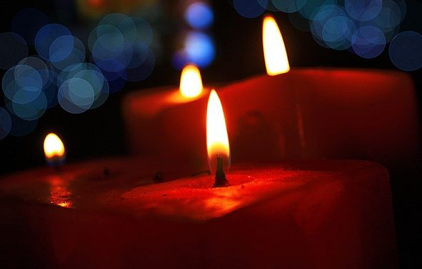 Daugelis tikriausiai pastebėjote nepaprastą bažnytinės ar cerkvės žvakės galią, o gal net patys pajutote jų skleidžiamą energiją