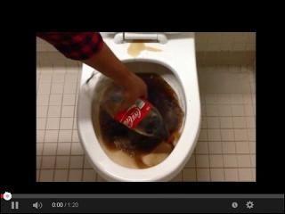 Coca Cola do mycia toalety w serwisie www.smiesznefilmy.net tylko tutaj: http://www.smiesznefilmy.net/coca-cola-do-mycia-toalety #toilet #wc #coca-cola