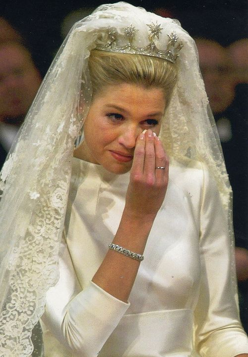 the royal wedding - I think this is the most amazing wedding gown and veil, royal or not........