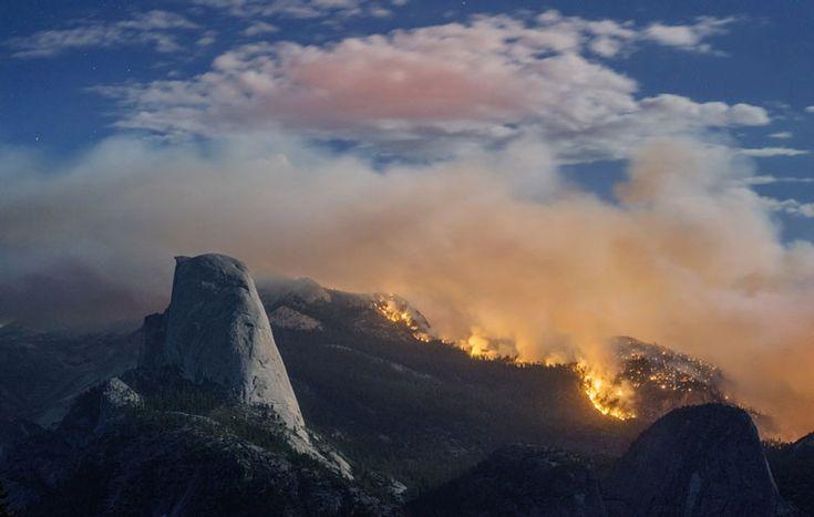 Michael Frye (Ap/Lapresse) Un incendio vicino alla roccia granitica dello Half Dome nel parco nazionale di Yosemite in California, il 9 settembre.