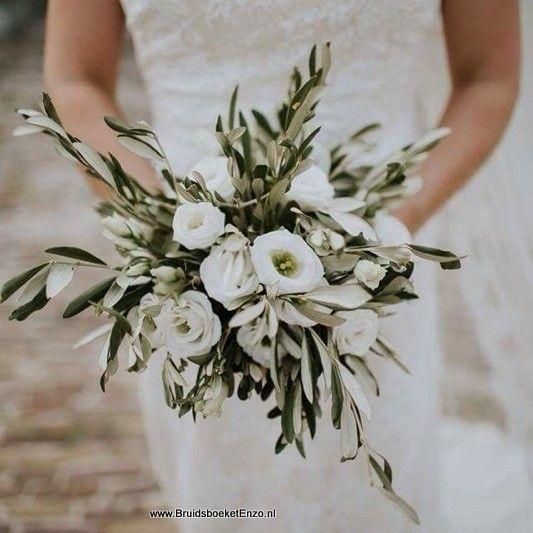 winter bruidsboeket trouwen in de winter winterbruid  Winterbridal bouquet