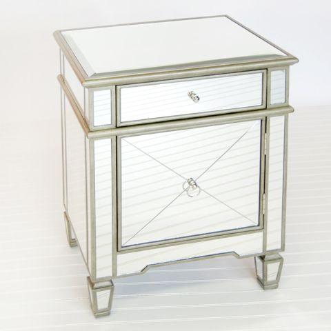 Speilglass nattbord med sølvkant