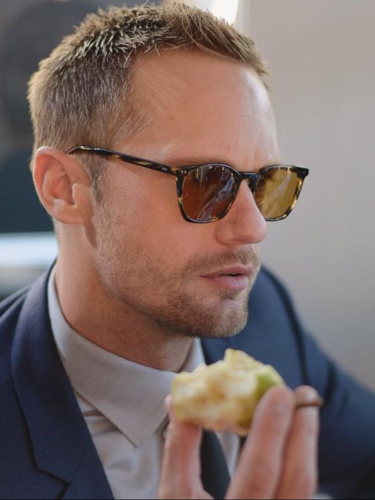 SkarsJoy : My Top 10 2016 favorite photos of Alexander Skarsgard...Alex and this damn pear