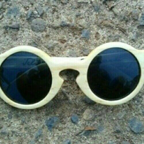 Maple wood sunglasses IDR 500.000 WA 082328101802 IG teliksandi_Woodencraft