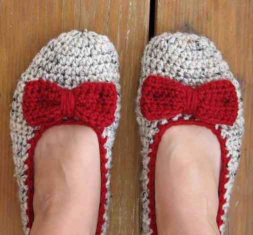 Crochet bow slippers - pattern