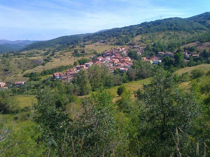 Villacorta, maravilloso pueblo en la montaña nororiental leonesa. Casa Rural Rioloseros