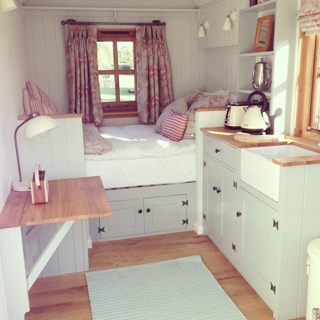 17 best ideas about tiny house interiors on pinterest tiny house bedroom building a tiny - Small home interior design ...