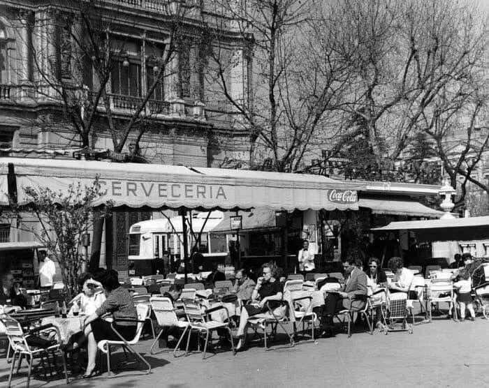 Kiosco Terraza En Paseo Del Prado Cibeles En Los 60 Fotos
