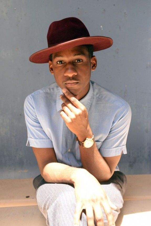 wonderful stylish summer look! LEON BRIDGES