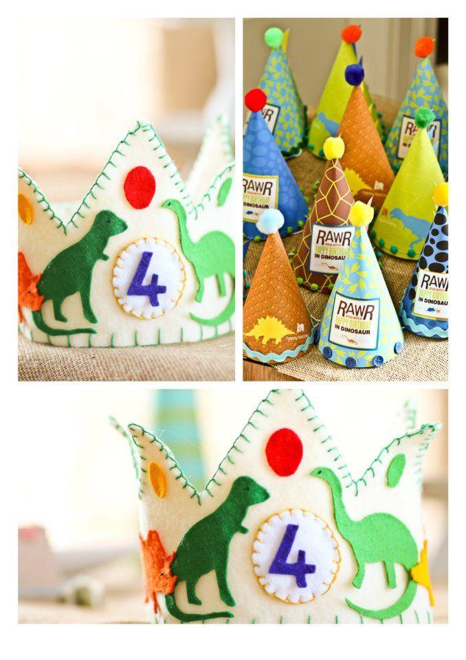 Partyhüte und Krone zum Dino Kindergeburtstag >> Dinosaur Party
