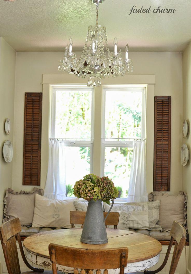 cottage dining | English cottage | vintage dining | crystal chandelier | English decor