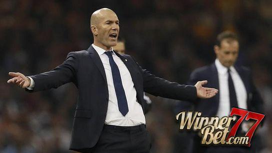 Judi Online- Zidane pensiun sebagai pemain sepakbola profesional pada tahun 2006 yang lalu.