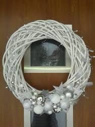 Result image for a Christmas wreath on the door