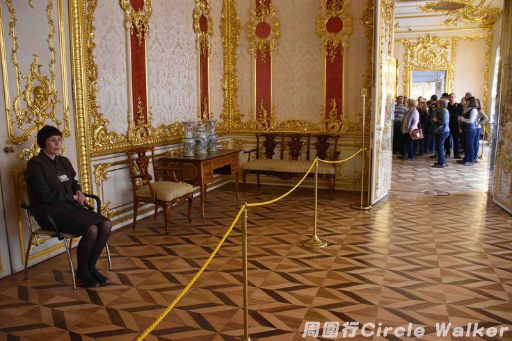 Madam Museum 博物館夫人 . More on: https://www.circlewalker.me/madam-museum .  #周圍行 #CircleWalker #攝影 #photography #photo #foto #art #藝術 #CS6 #photoshop #camera #nikon #EU #europe #歐洲 #博物館 #museum #gallery #collection #female #lady #feminist #gender  #StPeterBurg #Russia #俄羅斯 #聖彼得堡 #RU #SaintPeterBurg #SPB