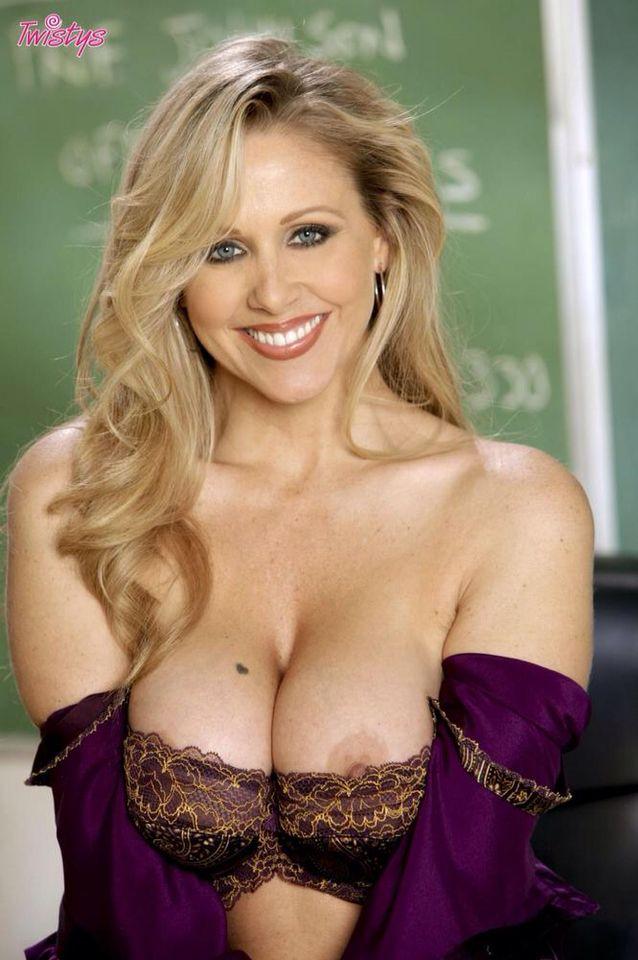Julia Ann Hot