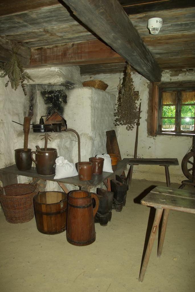 Neustechow: Dawne wiejskie wnętrza. Skansenowe inspiracje. 50 zdjęć.