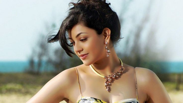 golden heroin of bollywood kajal agarwal  http://www.wallpapergroups.com/2014/07/bollywood-actress-kajal-agarwal-hd-photo-free-download.html