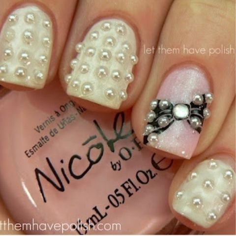 Fun and girly pearlized #nails