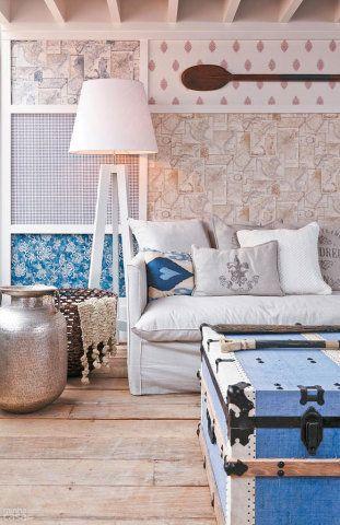 De cortinas longas até paredes pintadas, esses truques são infalíveis para dar a impressão que os espaços da casa tem um pé direito alto