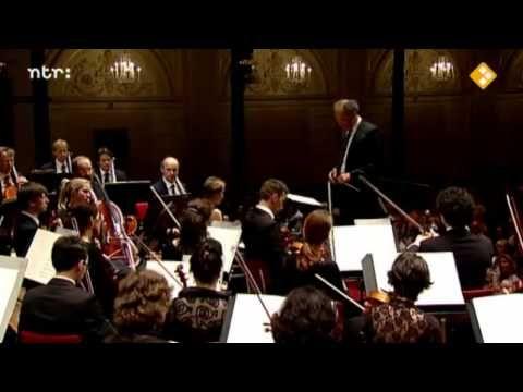 Gabriel Faure - Requiem - Part 1/3 (Introït et Kyrie, Offertoire) - YouTube