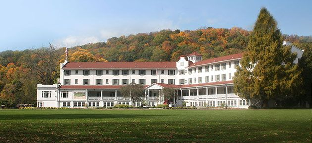 Poconos Mountain PA Golf Resort - The Shawnee Inn, Shawnee on Delaware