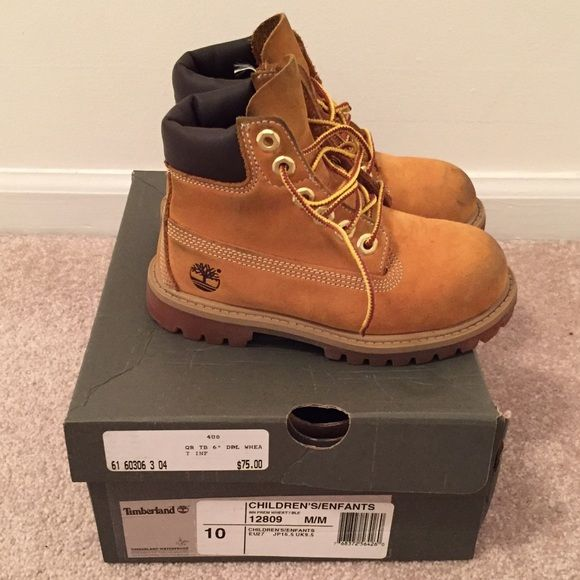Toddler Timberland boots Very good used condition. No damage, some scuffing to the toe are.  Size: 10c NO TRADES Timberland Shoes
