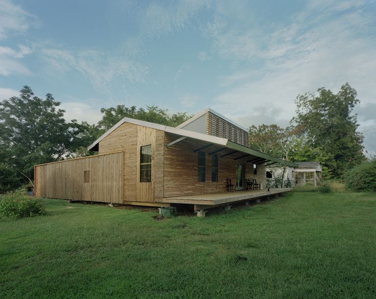 Built By Auburn University Rural Studio In Faunsdale United States With Surface Images By Timothy Hursley Rose Lees House Is The Result Of Two Semesters