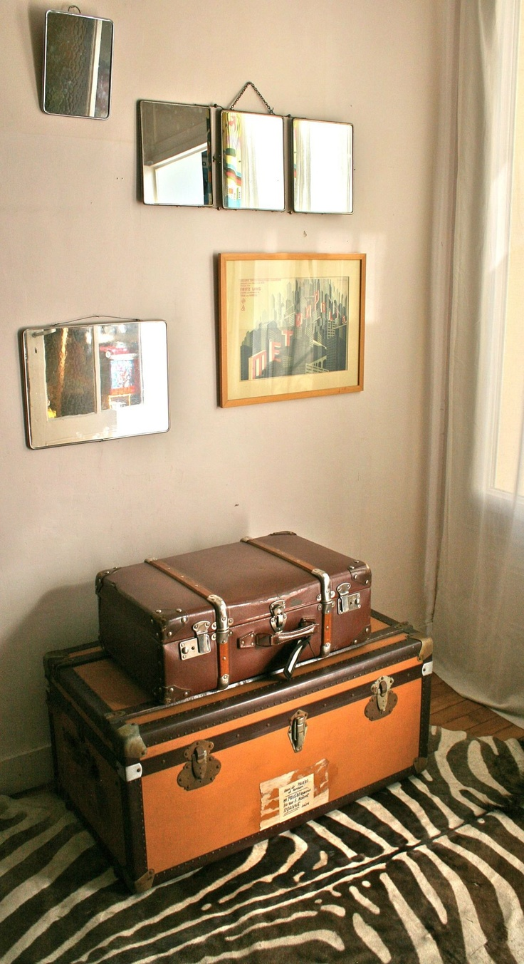 69 best malle valise images on pinterest luggage bags suitcases and old chest. Black Bedroom Furniture Sets. Home Design Ideas