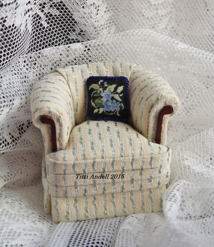 Cushion embrodery