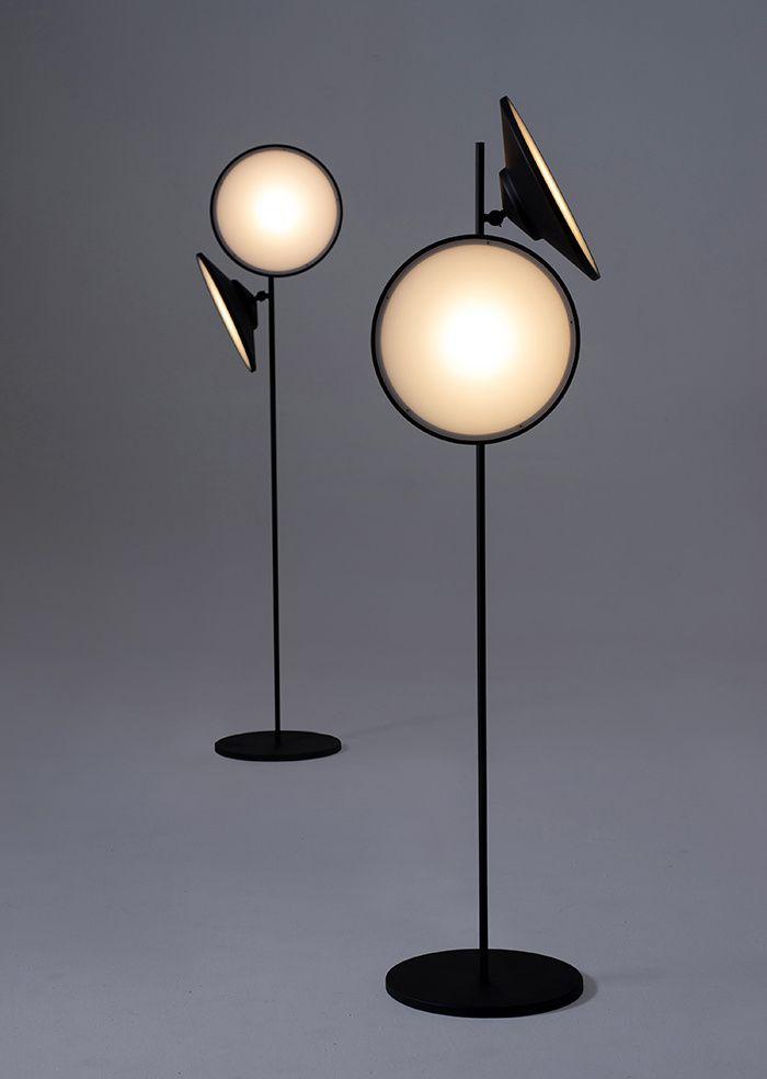Salon de Milan 2015//Lampadaire 2 Moons, Nir Meiri (Nilufar)