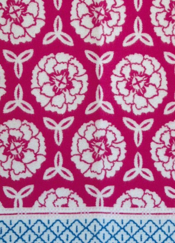 Lovely wool blanket from Oleana, Design 210