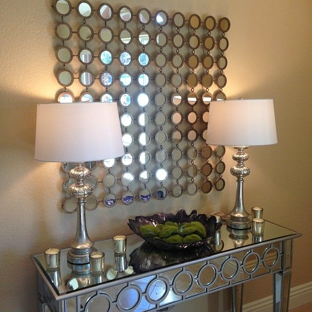 Our Sophie Mirrored Console Table is perfect for @Abby Woulfe's entryway, don't you think?