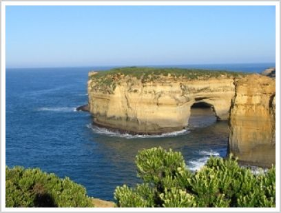 Popular Tourist Attractions in Australia | tourist attractions in australia loch ard gorge great ocean road