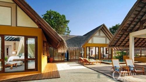two-bedroom-family-beach-bungalow-with-pool    Four Seasons Landaa Giraavaru Resort & Spa by Alpha Maldives - Maldives Luxury Resorts  https://www.alphamaldives.com/resort/four-seasons-landaa-giraavaru_24_home_0.html