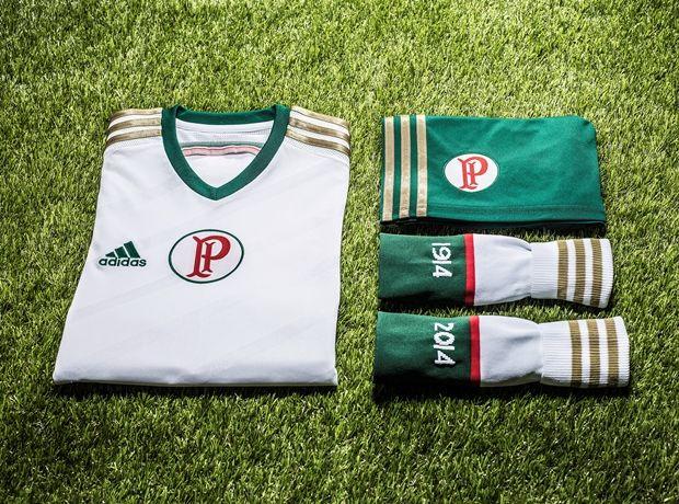 Com Lúcio como modelo, Palmeiras apresenta nova camisa branca