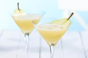 16 Pear-Flavored Cocktails for the Thirsty Fruit Lover: Get a taste for the sweet pear in your cocktails by exploring these fun and fabulous drink recipes.