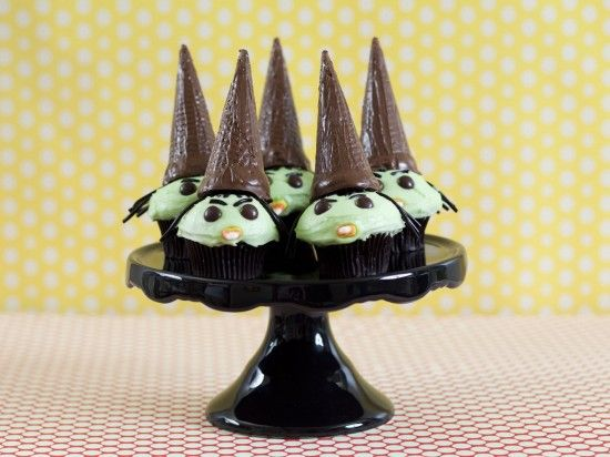 Wizard of Oz party ~ Wicked whitch cupcakes