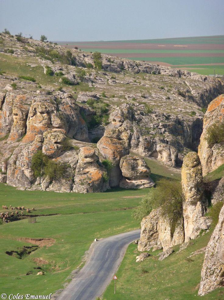 dobrogea-gorge-old-limestones-rocks-romania-landscapes-near-black-sea