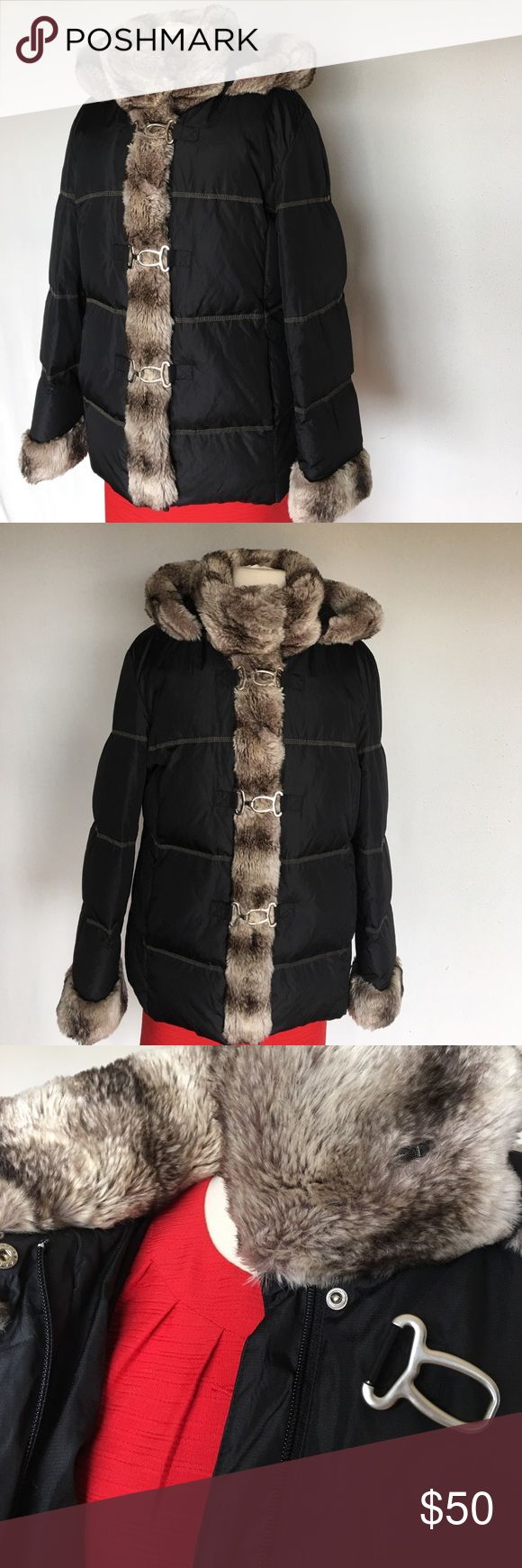 """HILARY RADLEY New York Size L(10-12) Like new coat Priced for quick sale! Worn few times , dry cleaned , flawless in mint condition.Fits good to sizes 10-12  . Length 28,5"""" Has detachable hud Hilary Radley New York Jackets & Coats"""