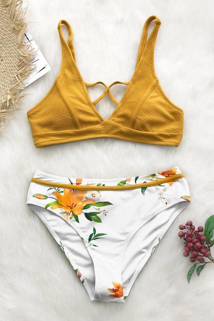 Notre bikini Floral ensoleillé vous fera sourire pendant des jours! Comporte un…