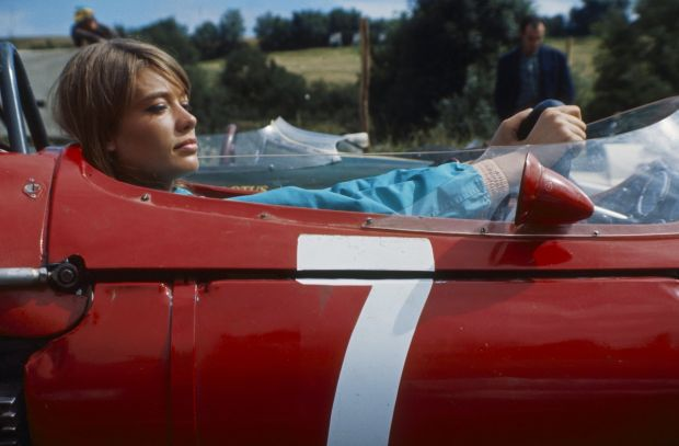 Gorgeous Photos Of Françoise Hardy On The Set Of 1966 Formula 1 Movie 'Grand Prix' - Airows