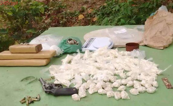 Mais de 1500 pinos de cocaína são apreendidos em operação em Central Carapina, na Serra